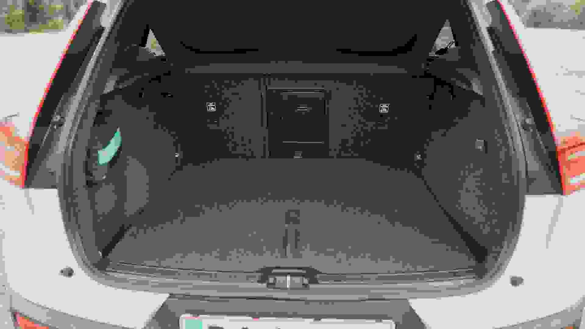Bilguiden Xc40elbil.00 14 51 23.Still007