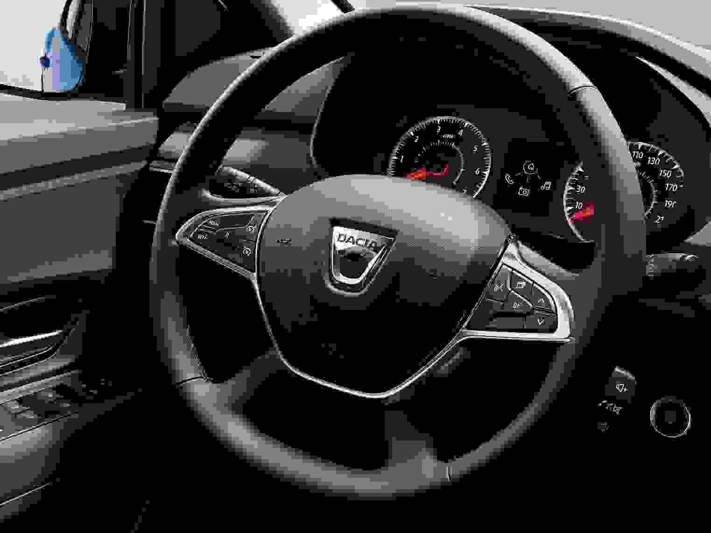 Dacia Sandero 2021 1600 38