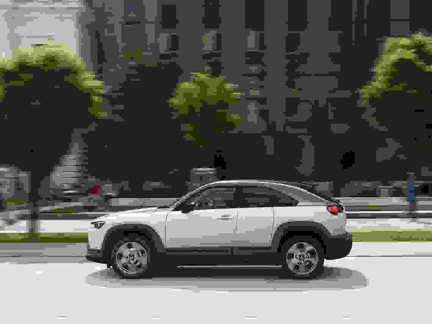 Mazda MX 30 2021 1600 50