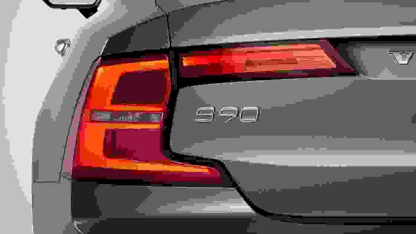 Volvo S90 2017 1600 6A