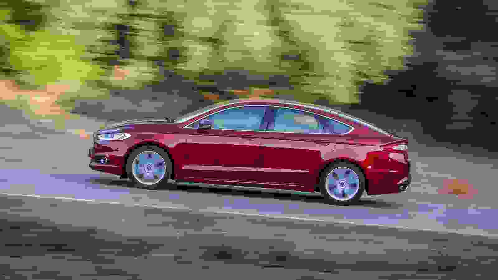 Ford Mondeo 2015 1600 27