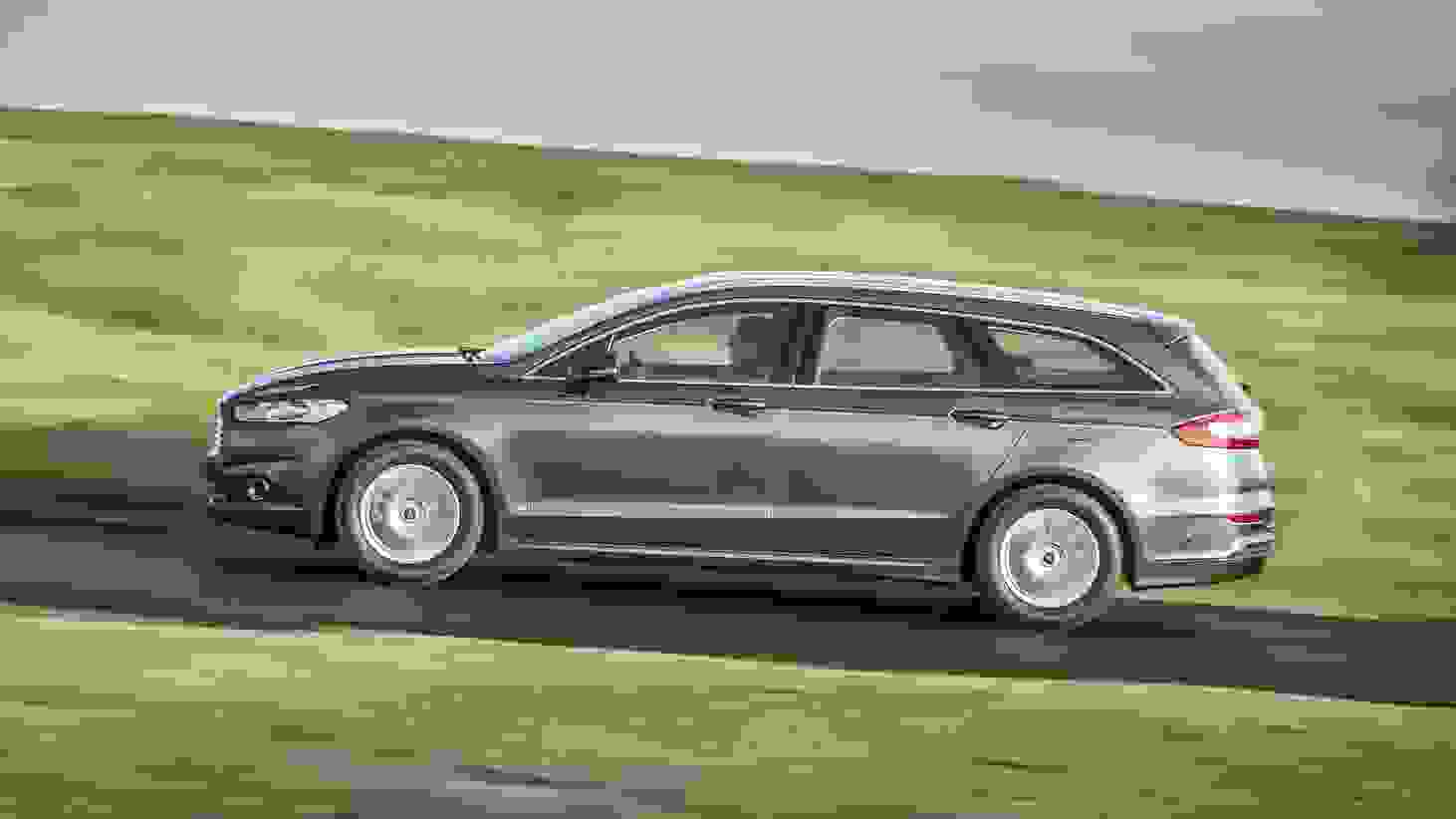 Ford Mondeo Wagon 2015 1600 10