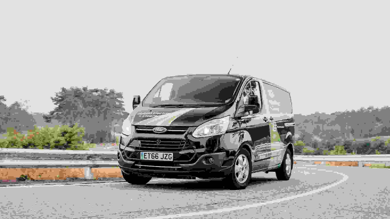 Ford Transit Custom 2019 Eksterioer Topsaelger Succes Velkoerende Velindrettet (2)
