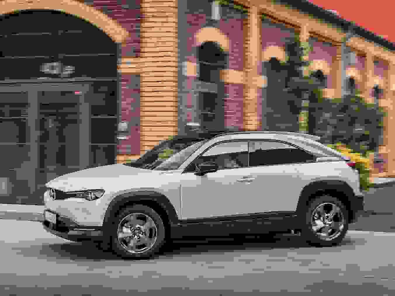 Mazda MX 30 2021 1600 32