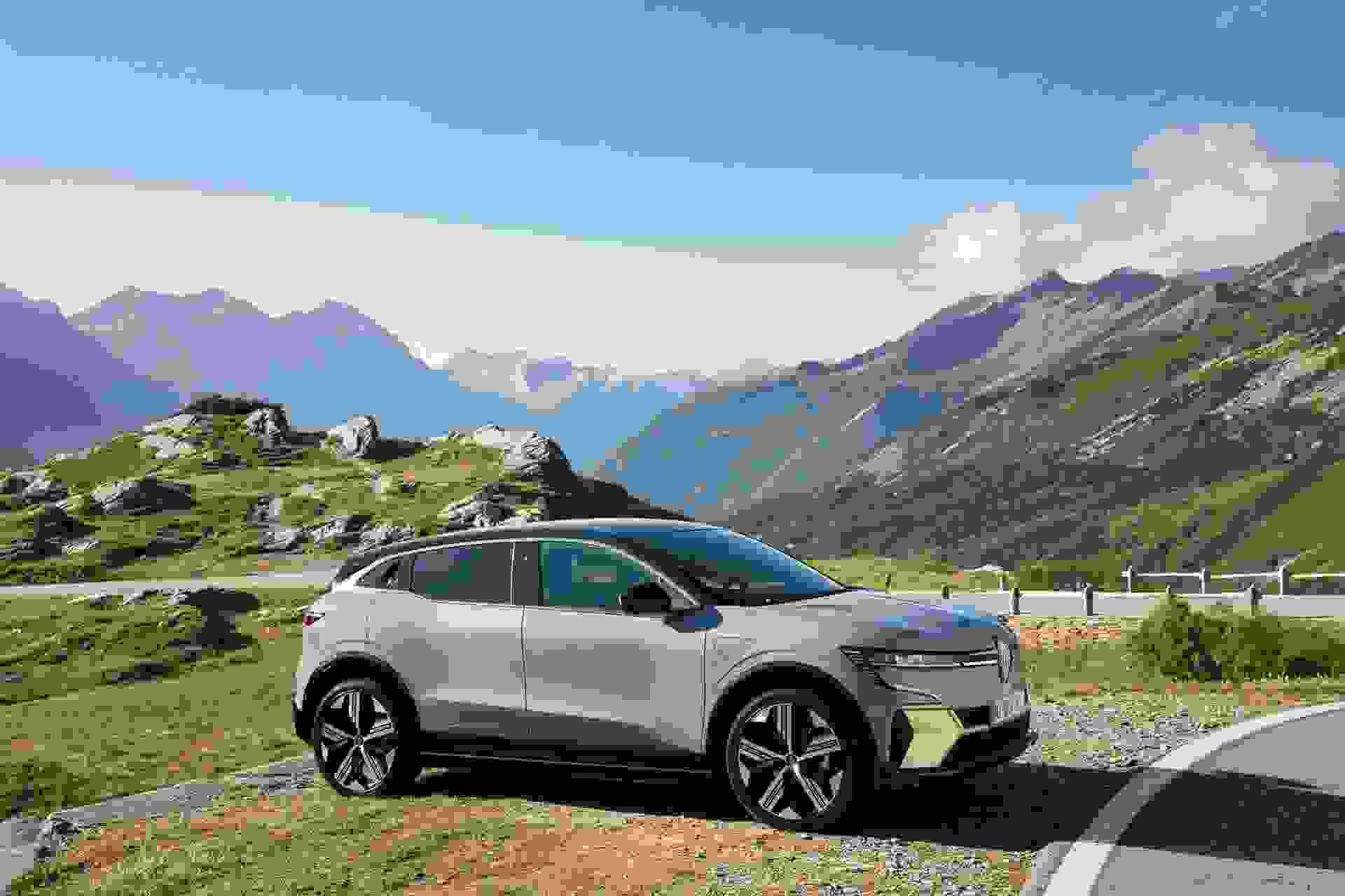 Renault Megane Electric2022 Bjerge