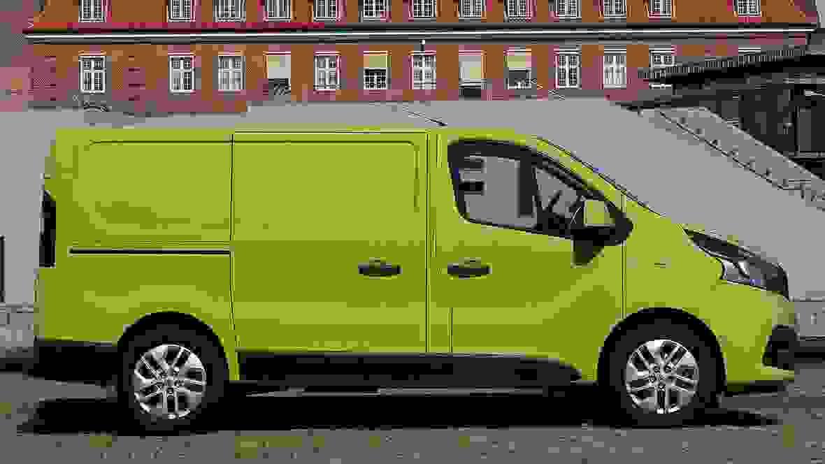 Renault Trafic Van 2019 Eksterior Aarets Varebil (2)