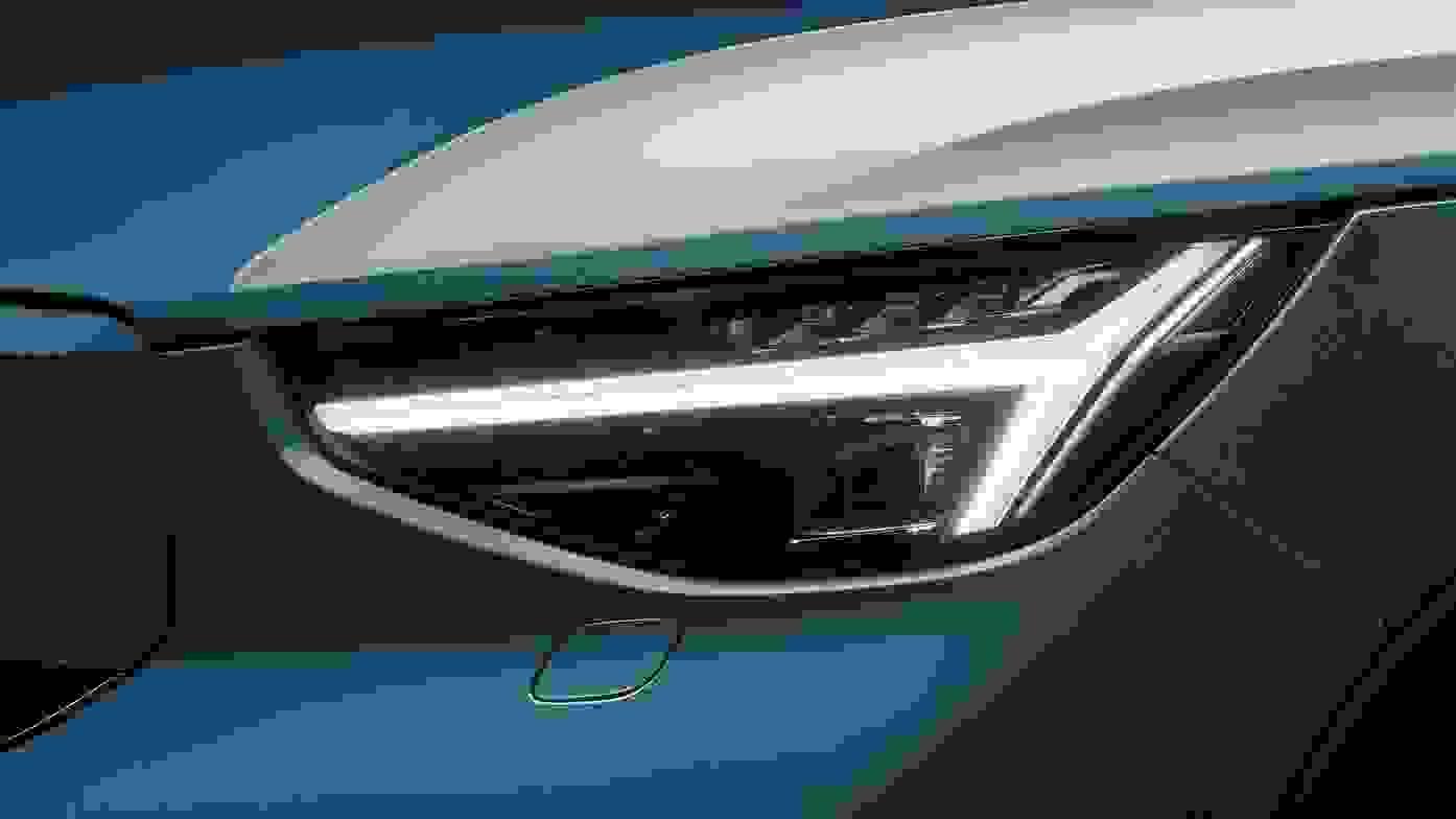 Volvo C40 Recharge 8