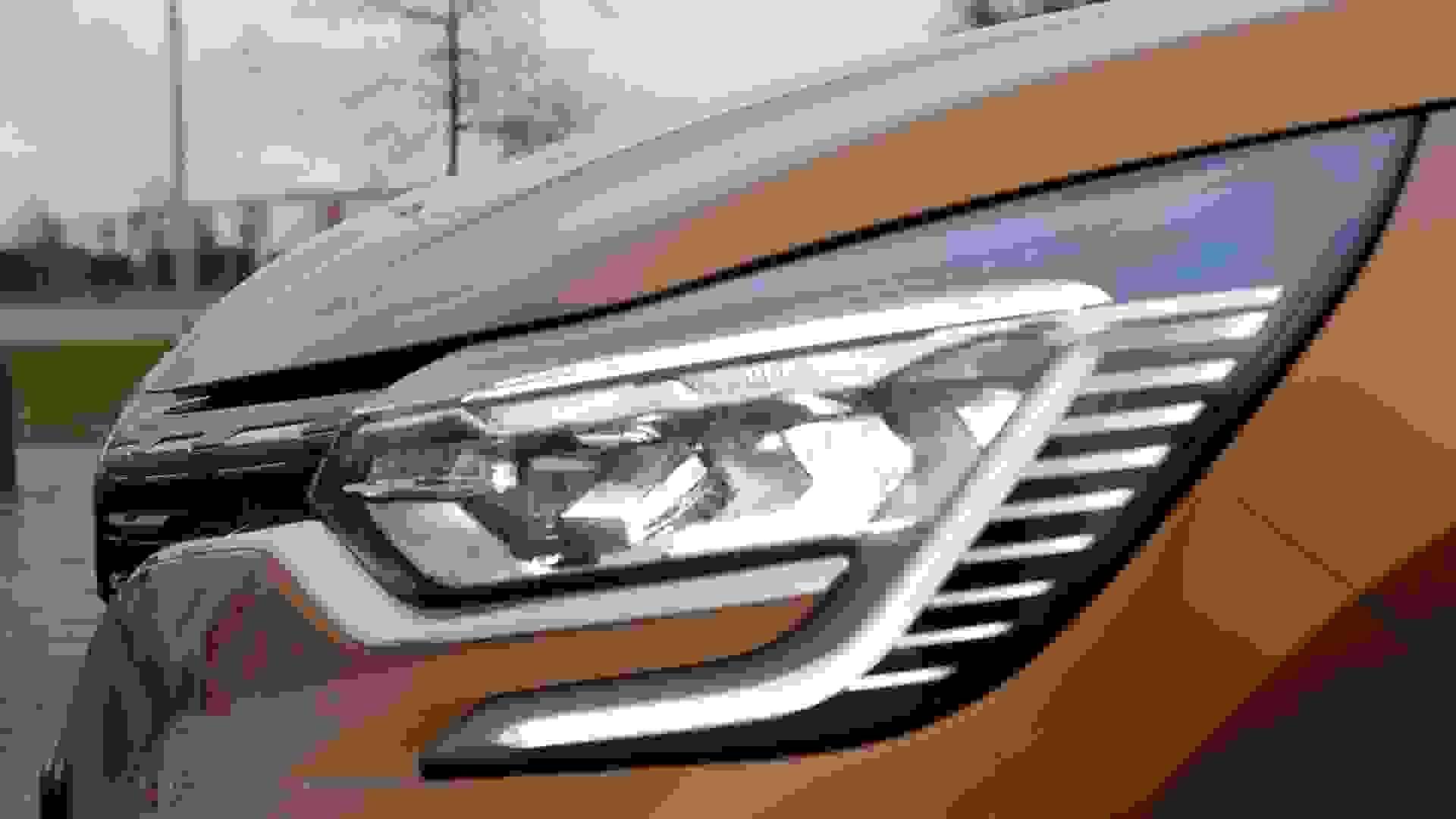 Renault Captur Forlygte